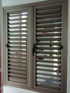 model-jendela-aluminium-Jalousie--225x300