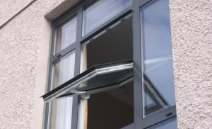model-jendela-aluminium-pivoted