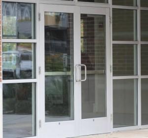 pintu-swing-double-aluminium